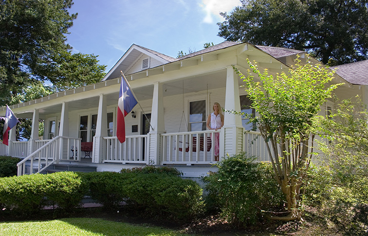 Are You Interested In Earning A Real Estate License In Texas?